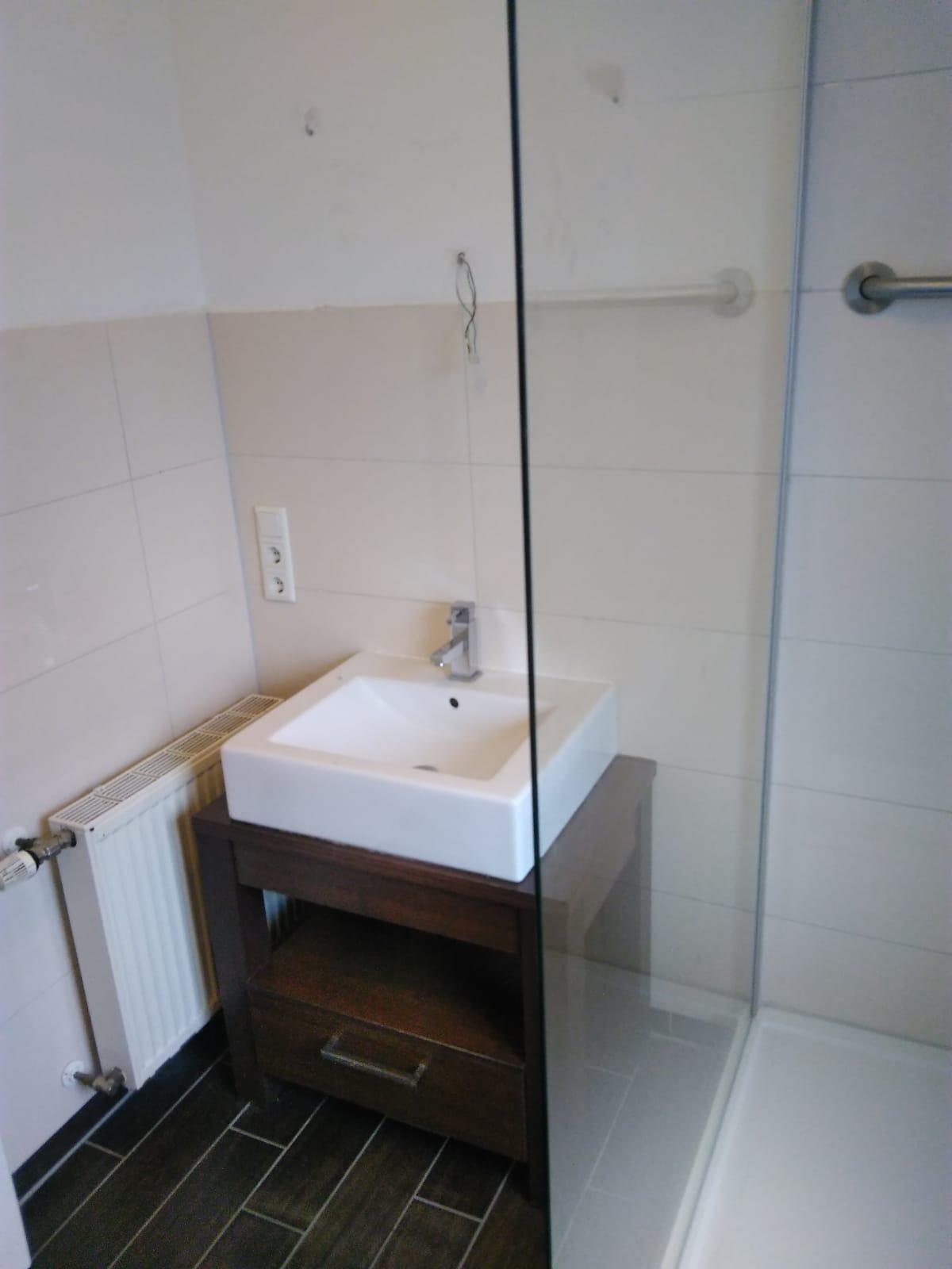Kleines Badezimmer sanieren – Christian Wilters – der Handwerker ...